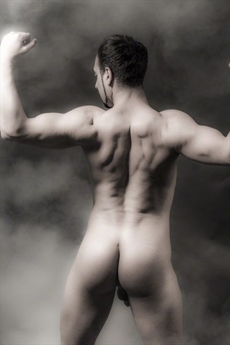 back muscles  Artistic Nude Photo by Model Arash Sharifi