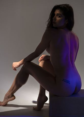 back sees artistic nude photo by photographer jos%C3%A9