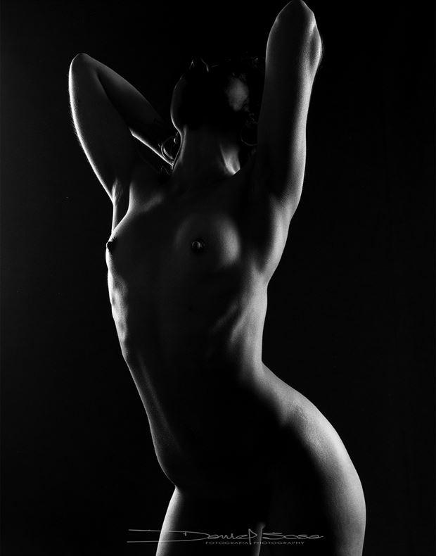 backlighting artistic nude photo by photographer hermanodani
