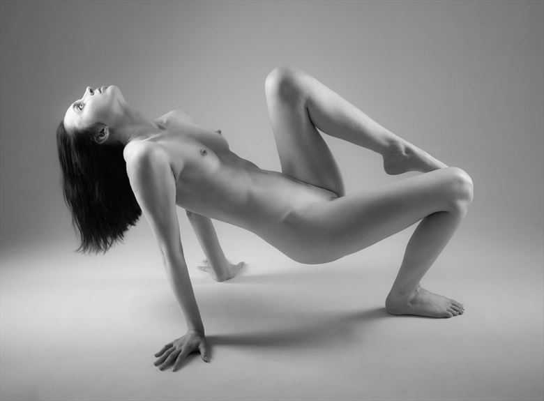 balance artistic nude photo by photographer allan taylor