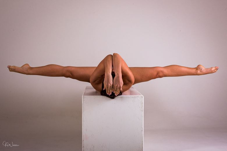 balancing act artistic nude photo by photographer jjweaver