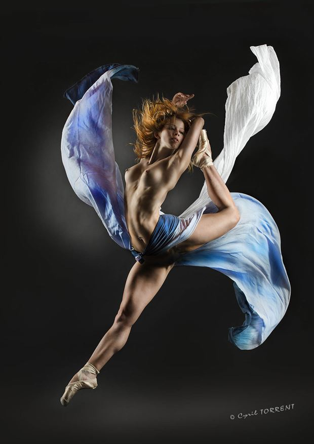 ballerine artistic nude artwork by photographer cyril torrent