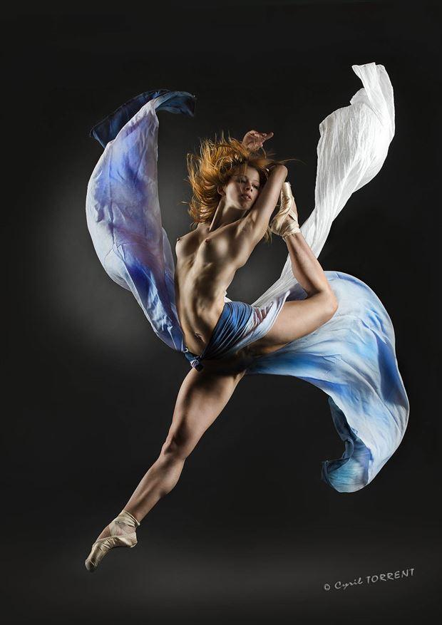 ballerine artistic nude artwork by photographer cyril torrent