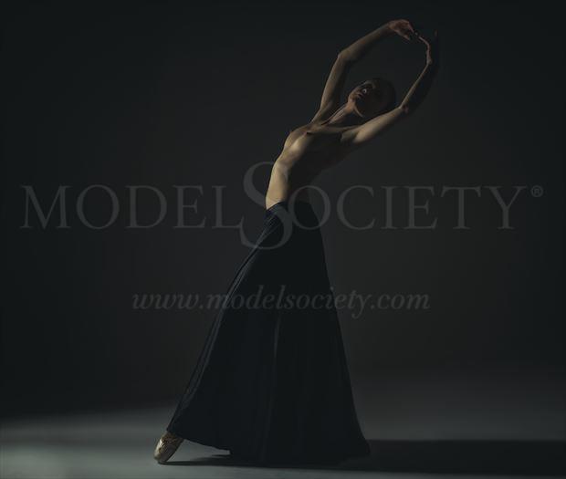 ballet artistic nude artwork by photographer roberto bressan