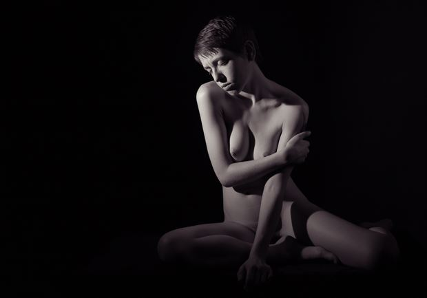 bathed by the light artistic nude photo by photographer excelsior