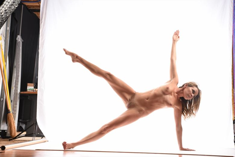 be strong artistic nude photo by model missmissy