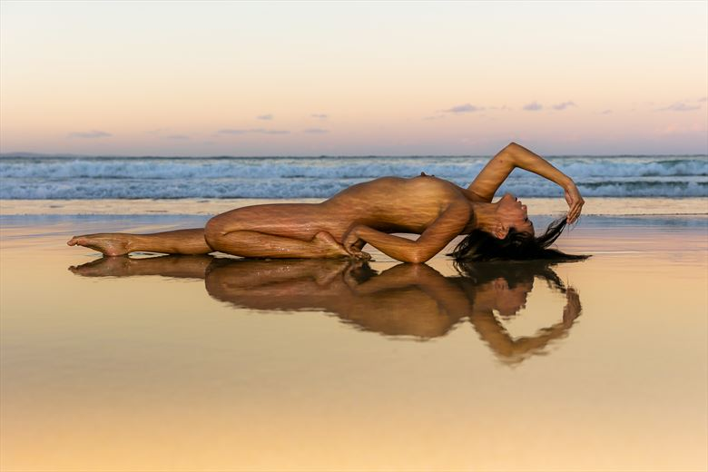 beach at dusk artistic nude photo by photographer tim bradshaw