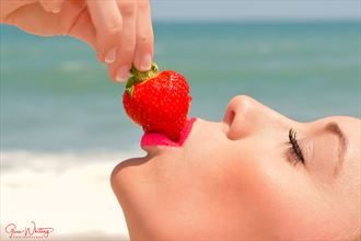 beach berry close up photo by photographer glenndcp