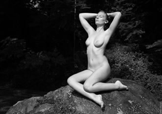 beauty and the rock artistic nude photo by photographer mikewarren