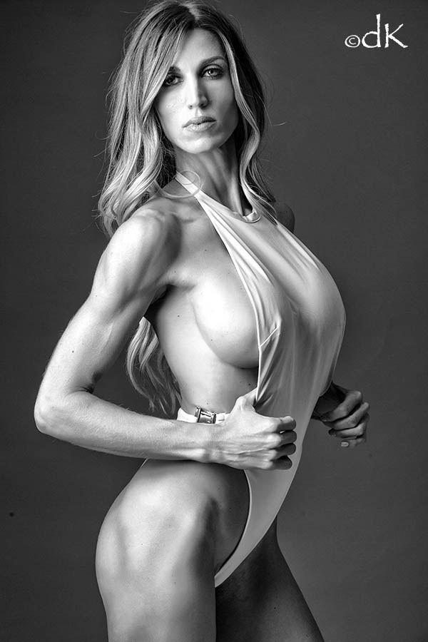 beauty fit bikini photo by photographer dennis keim