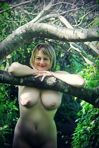 beauty in the boughs artistic nude photo by artist annedelion