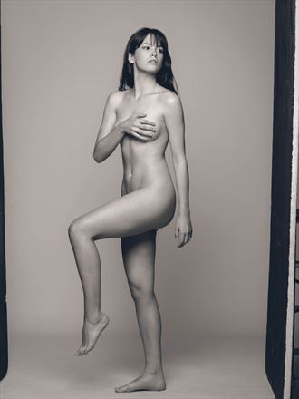 behind the scenes artistic nude photo by photographer cr%C3%B3nicas studio