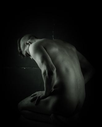 ben artistic nude photo by photographer dave hunt