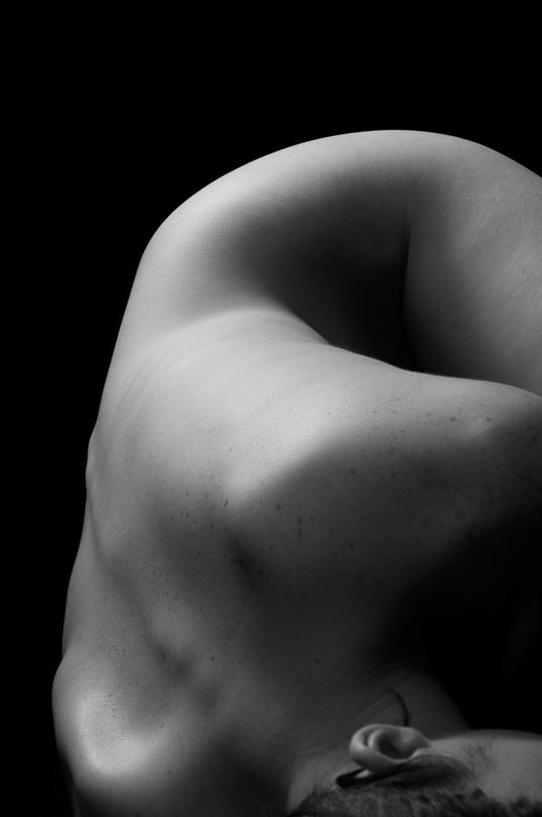 bend artistic nude photo by photographer uhphoto