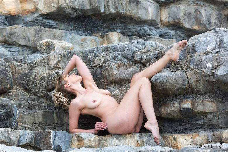 between a rock and a hard place artistic nude photo by model selkie