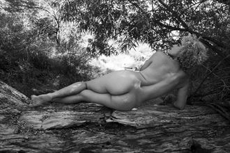 beuty of the spine artistic nude artwork by photographer juanlozaphotography