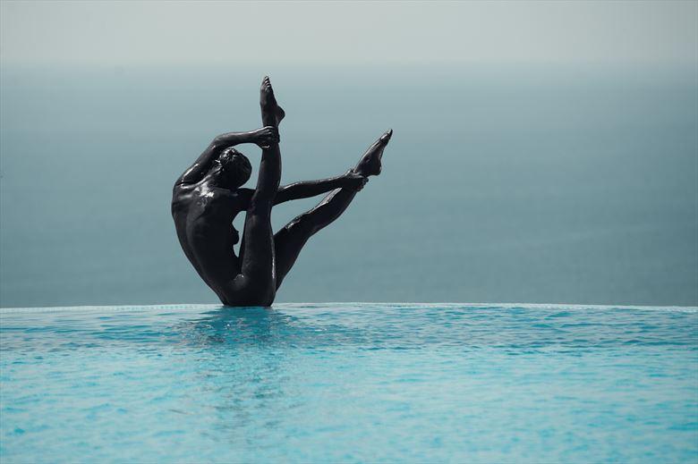black swan artistic nude photo by photographer gabi gogiu