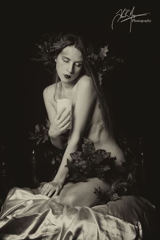 blessing artistic nude photo by photographer thomas margrave