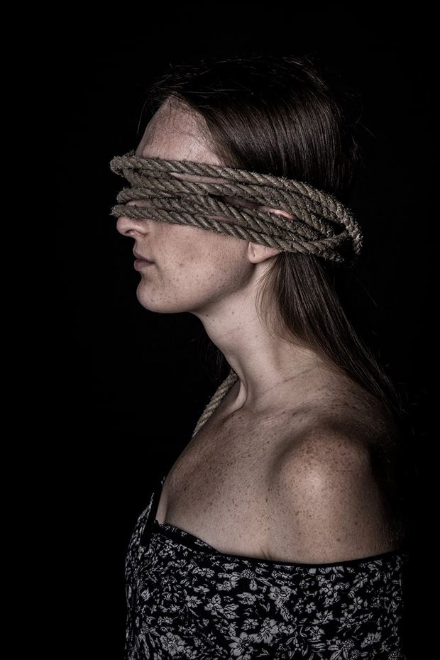 blindfolded expressive portrait artwork by photographer marc schoonackers