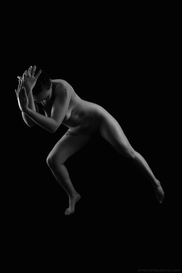 blockage artistic nude photo by model iris suarez
