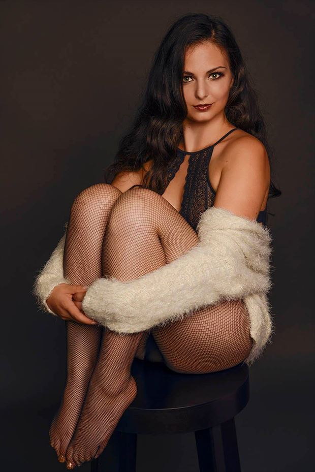 blue velvet fotografie lingerie photo by model lisa elias