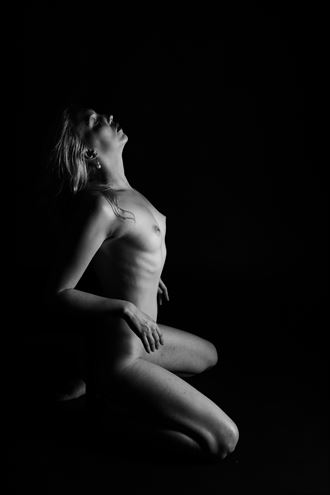 bobbi castle shadow walkers vi artistic nude photo by photographer oliver godby