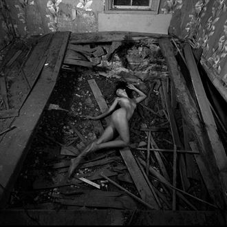 body in a hole artistic nude photo by photographer jyves