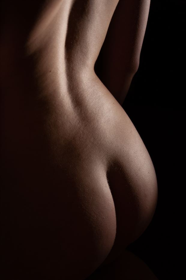 bodyscape in color artistic nude photo by photographer mattiasgraves