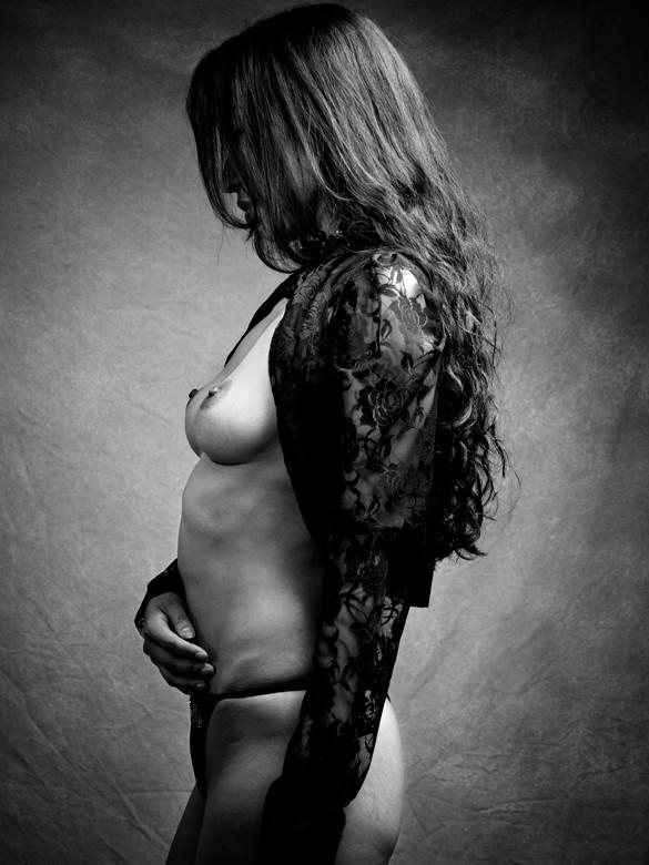bolero Artistic Nude Photo by Photographer MITSUO SUZUKI