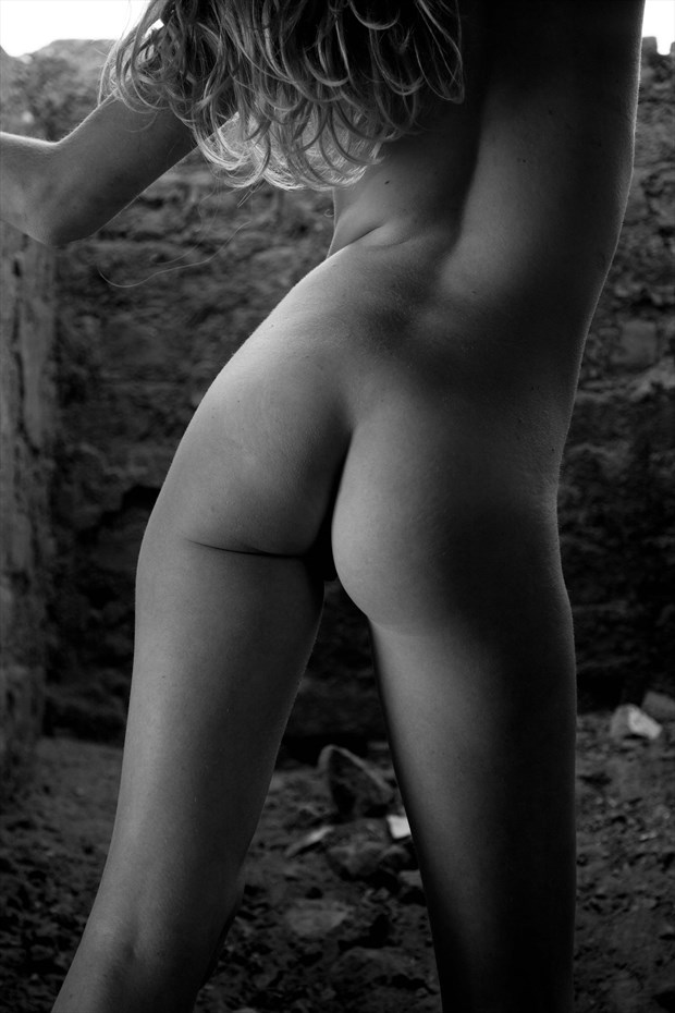 bottom monochrome Artistic Nude Photo by Photographer Allan Taylor