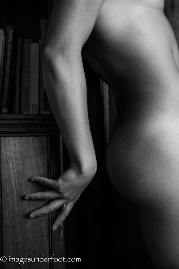 braced artistic nude photo by photographer greg holden