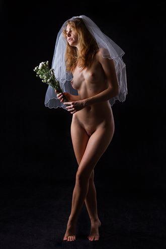 bridal bouquet artistic nude photo by photographer modella foto