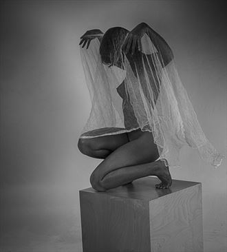 casting her spell artistic nude photo by photographer alan tower