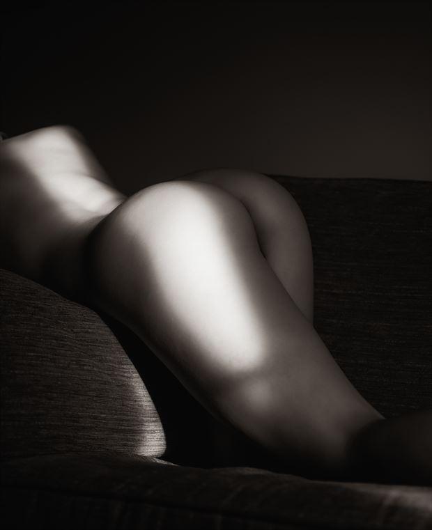 catching sun light artistic nude artwork by photographer neilh