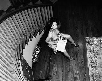 cette liberte dan le foyer w angharada artistic nude photo by photographer robin burch