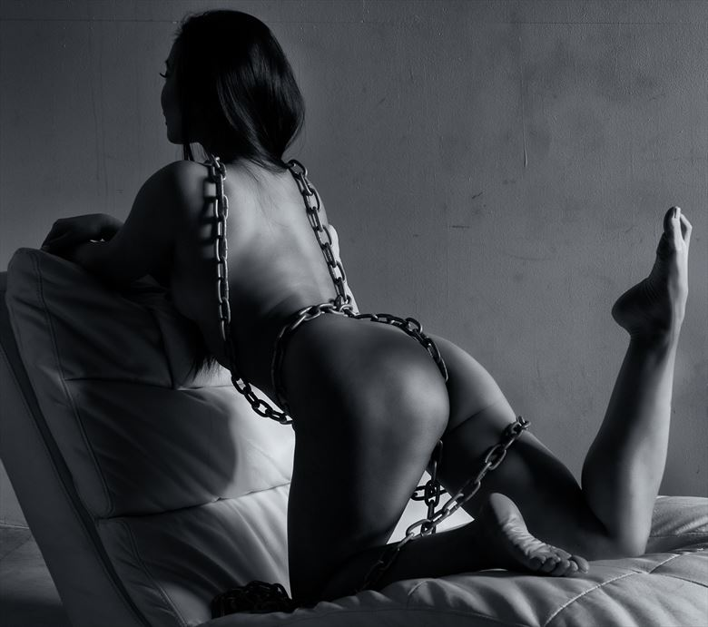 chains artistic nude photo by photographer mochrum photography