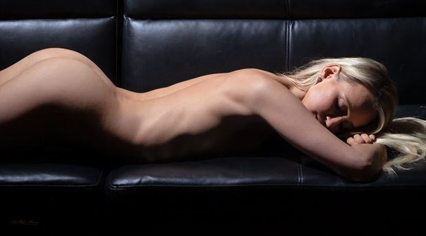 chelsea at rest between takes artistic nude photo by photographer lamont s art works