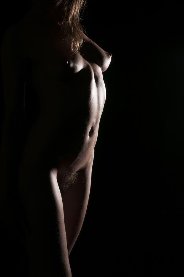 chiaroscuro artistic nude photo by photographer castrourdiales