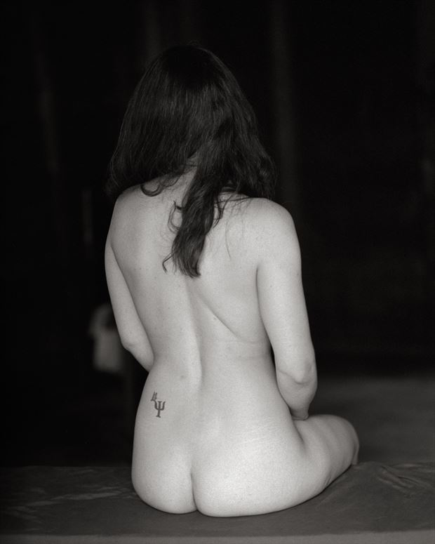 chiaroscuro figure study photo by photographer peaquad imagery