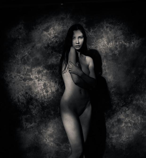 chloe in the shadows artistic nude photo by photographer thatzkatz