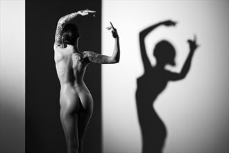claire artistic nude photo by photographer ray fritz