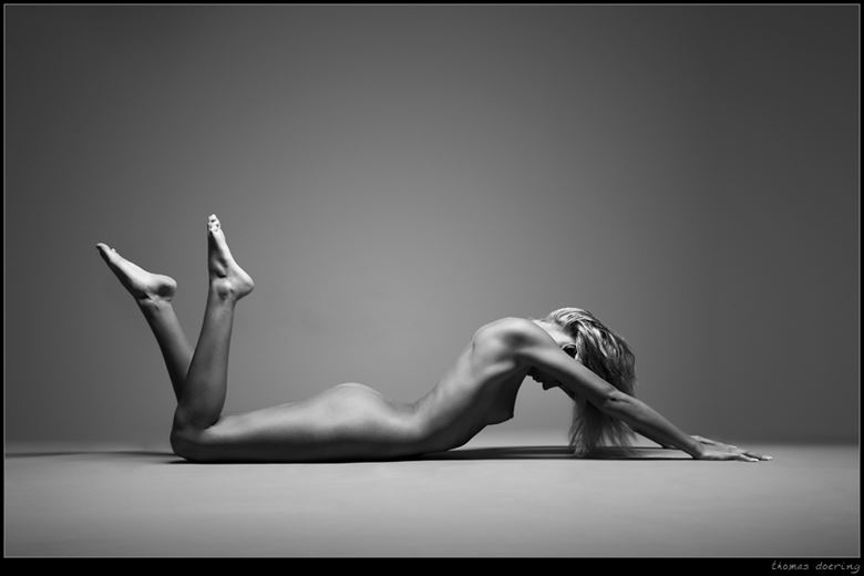 classic artistic nude photo by photographer thomas doering