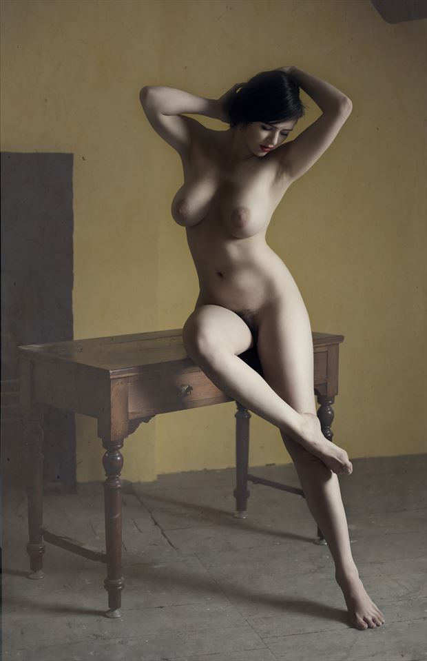 classical nude artistic nude photo by photographer colin dixon