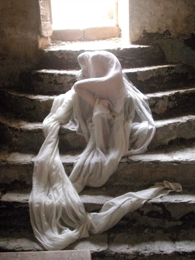 cocoon artistic nude photo by photographer joseph auquier
