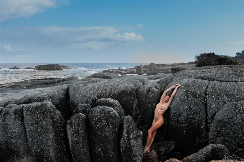 color on the rocks artistic nude artwork by photographer jcb
