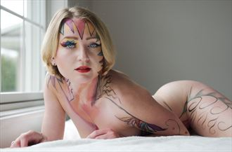 colors and curves artistic nude photo by model cali layne