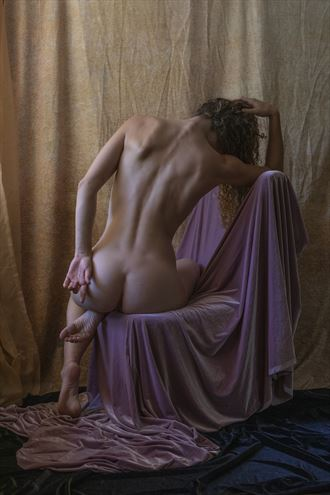 complementary colors of light artistic nude photo by artist wendy garfinkel