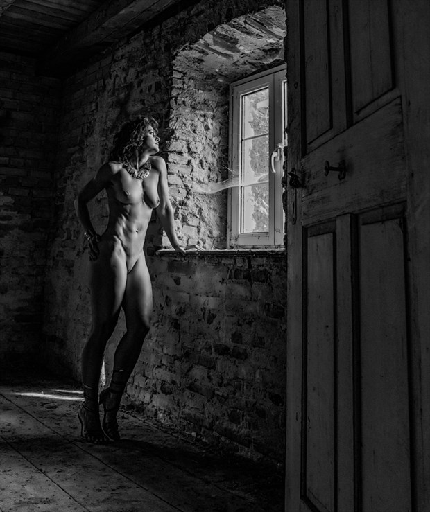 confidence Artistic Nude Artwork by Photographer CM Photo