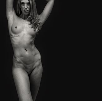confidence is sexy artistic nude photo by photographer gee virdi
