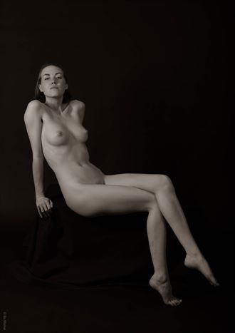 confident artistic nude photo by photographer bo michal